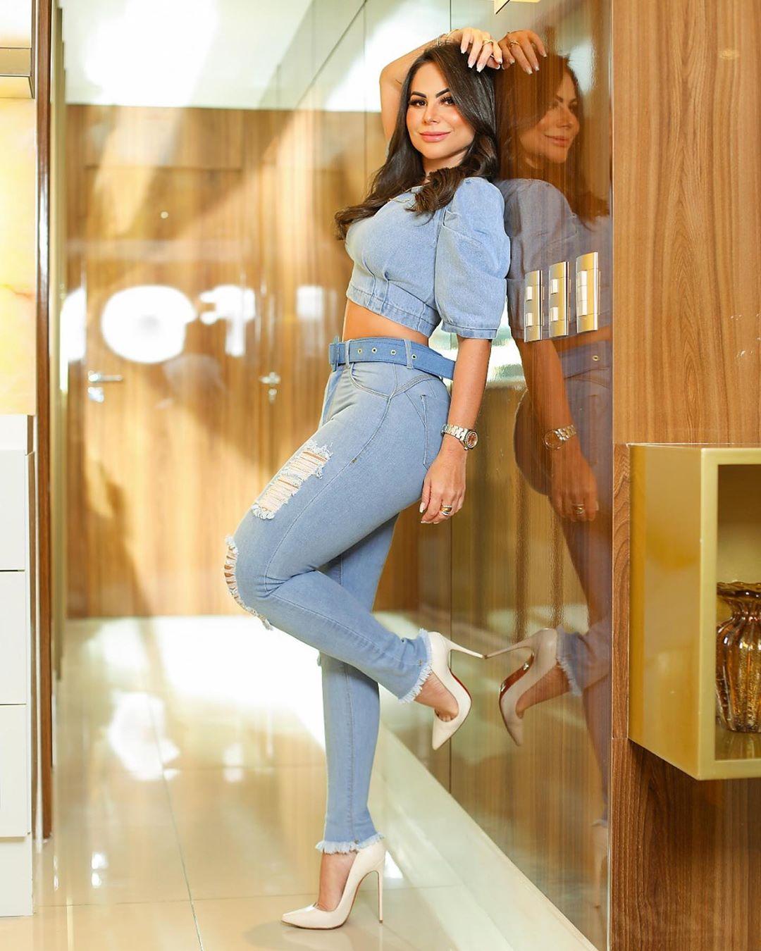 Calça Jeans Premium Modelador Destroyed Cinto de Brinde - Empina Bumbum