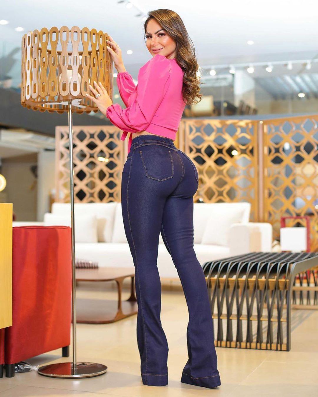 Calça Jeans Premium Modelador Flare Básica - Empina Bumbum