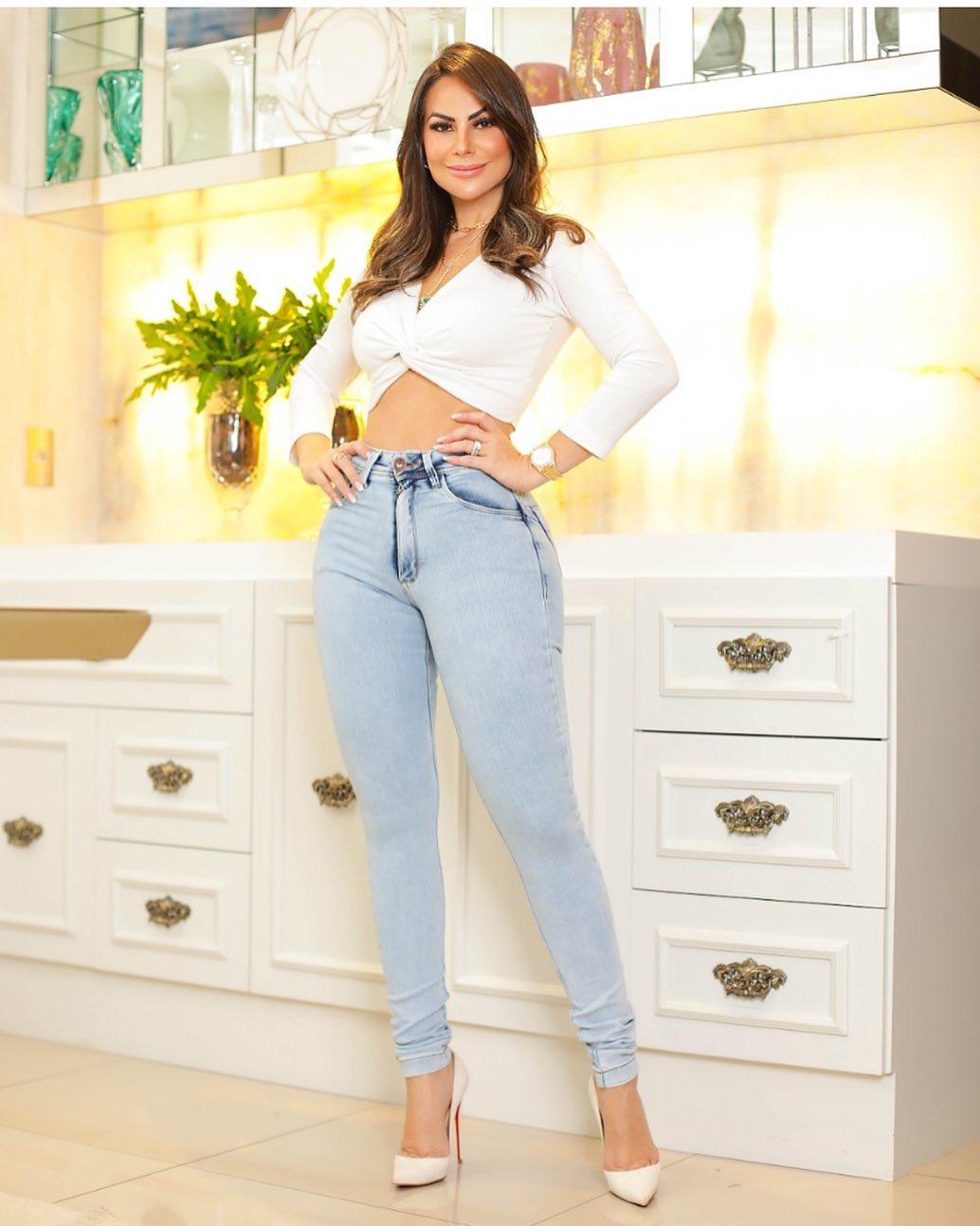 Calça Jeans Premium Modelador Lavado - Empina Bumbum e Comprime Barriga