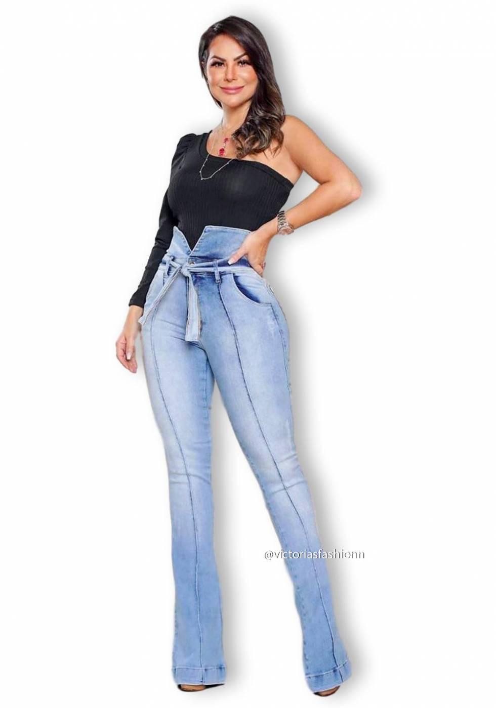 Calça Jeans Premium Modeladora Flare Clara - Empina Bumbum e Comprime Barriga