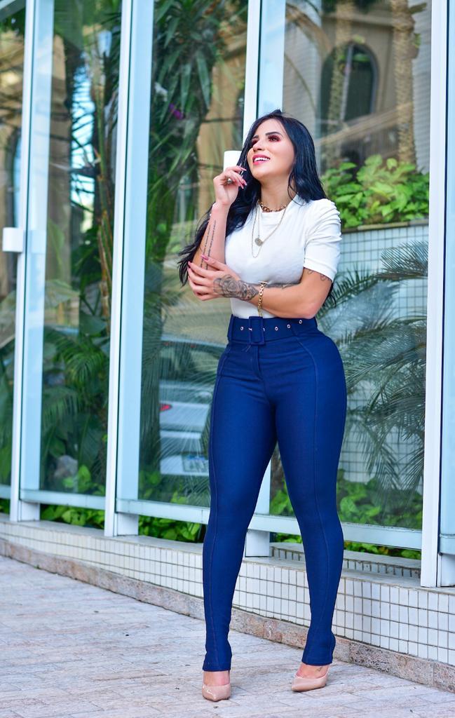 Calça Legging Modeladora com Cinto Azul Marinho - Empina Bumbum e Comprime a Barriga