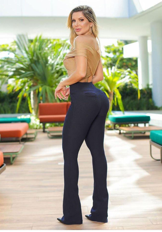 Calça Legging Modeladora Flare Preta - Empina Bumbum e Comprime a Barriga