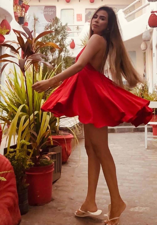 Vestido Curto Frente Única Rodado Vermelho