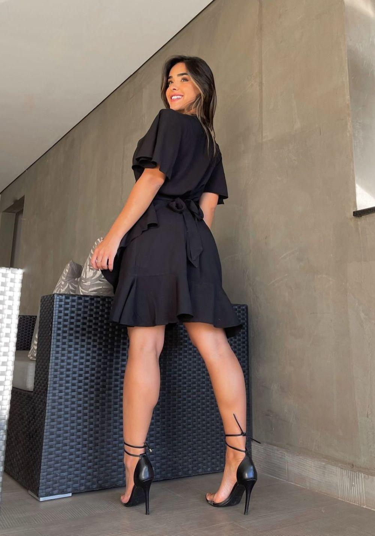 Vestido Curto Rodado Envelope Preto