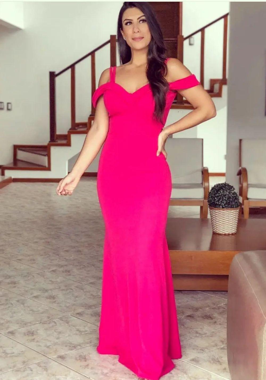 Vestido de Festa Longo Ombro a Ombro e Alça Pink