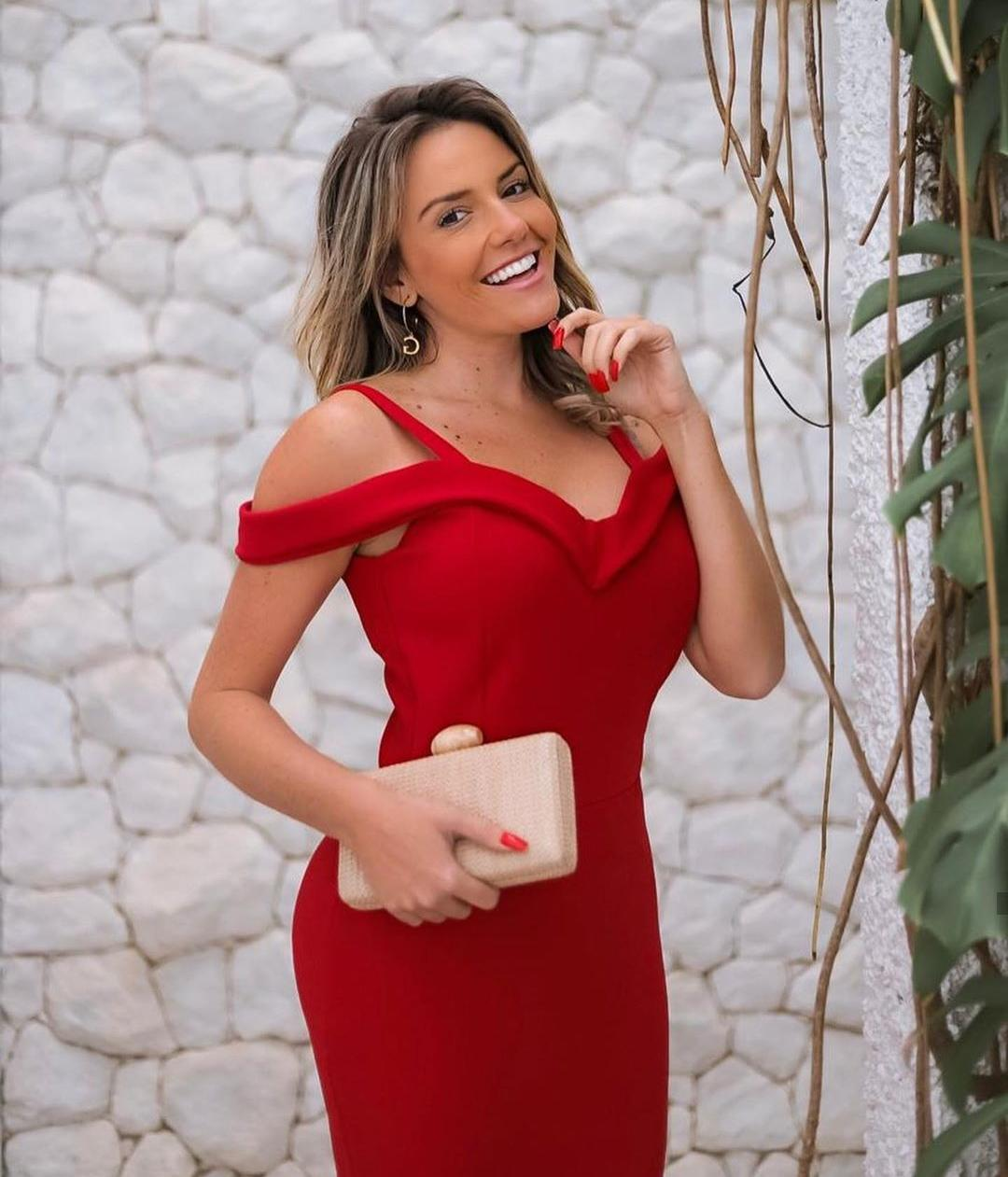 Vestido de Festa Longo Ombro a Ombro e Alça Vermelho