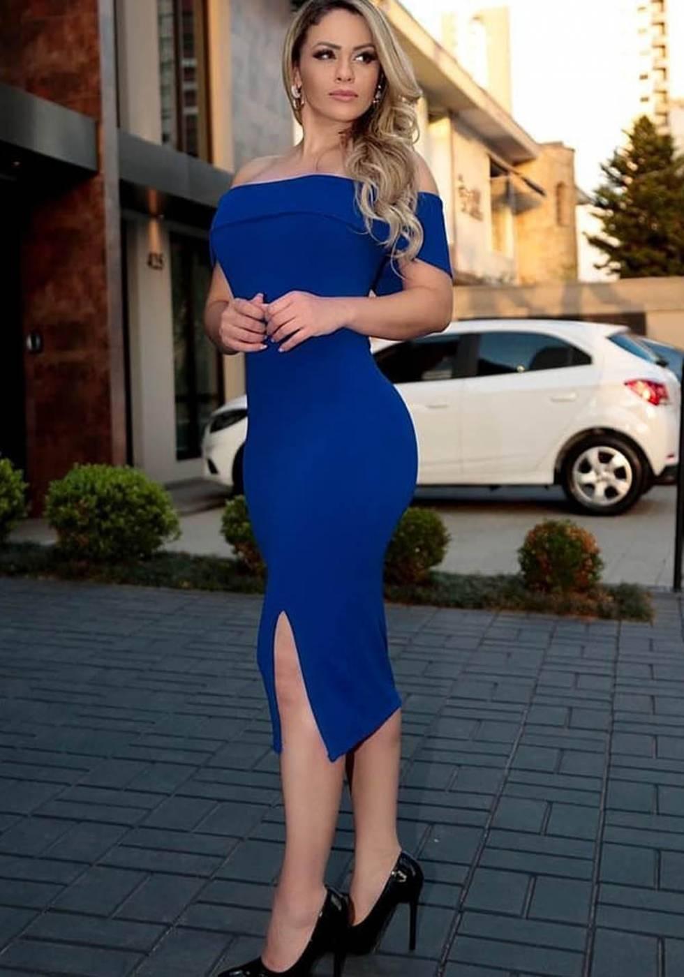 Vestido de Festa Midi com Fenda Ombro a Ombro Azul