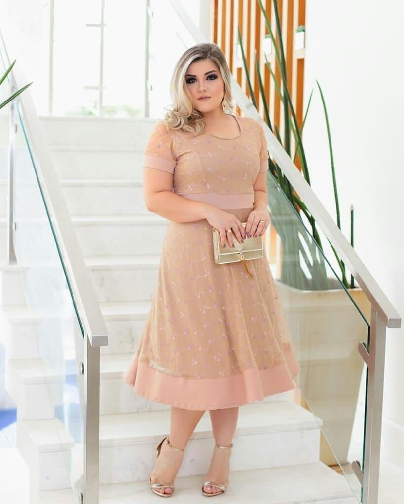 Vestido Midi Tule com Bordado Rosê