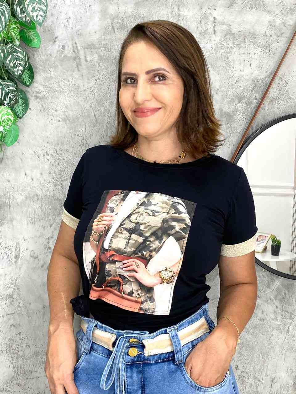 BLUSA T-SHIRT EM MALHA COM APLICAÇÕES- BELLY MODA