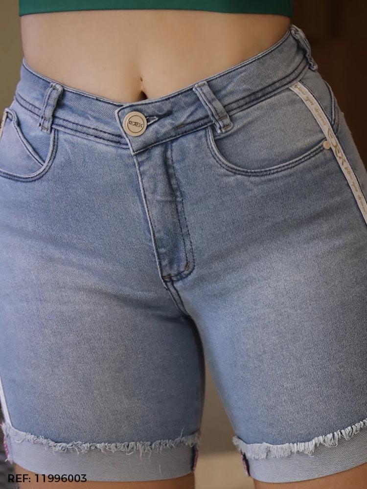 Bermuda feminina gisele meia coxa listra