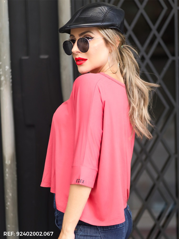 Blusa feminina ampla