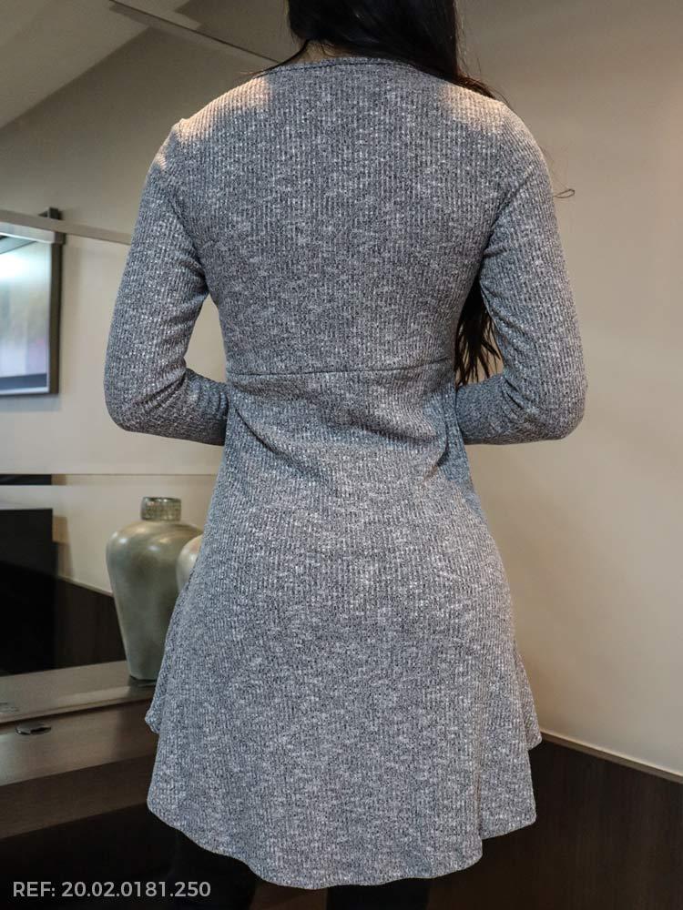 Blusa feminina manga longa alongada