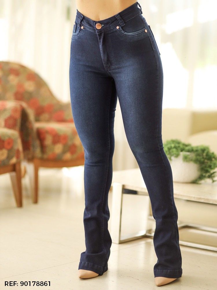 Calça feminina boot cut
