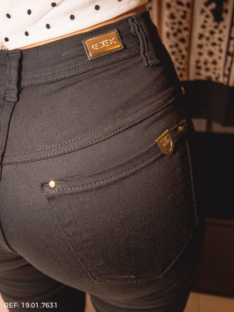 Calça feminina hot pant