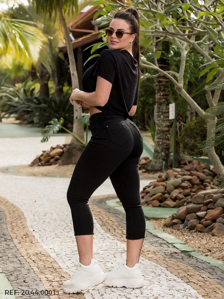 Capri feminina