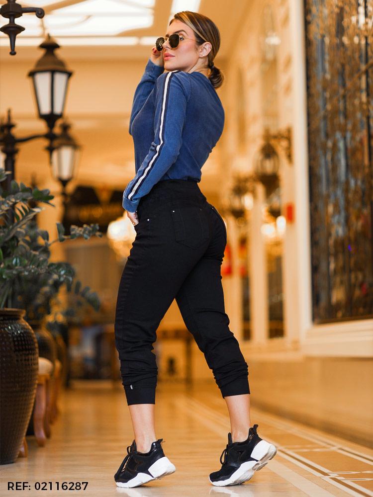 Cigarreti feminina jogging diamante negro