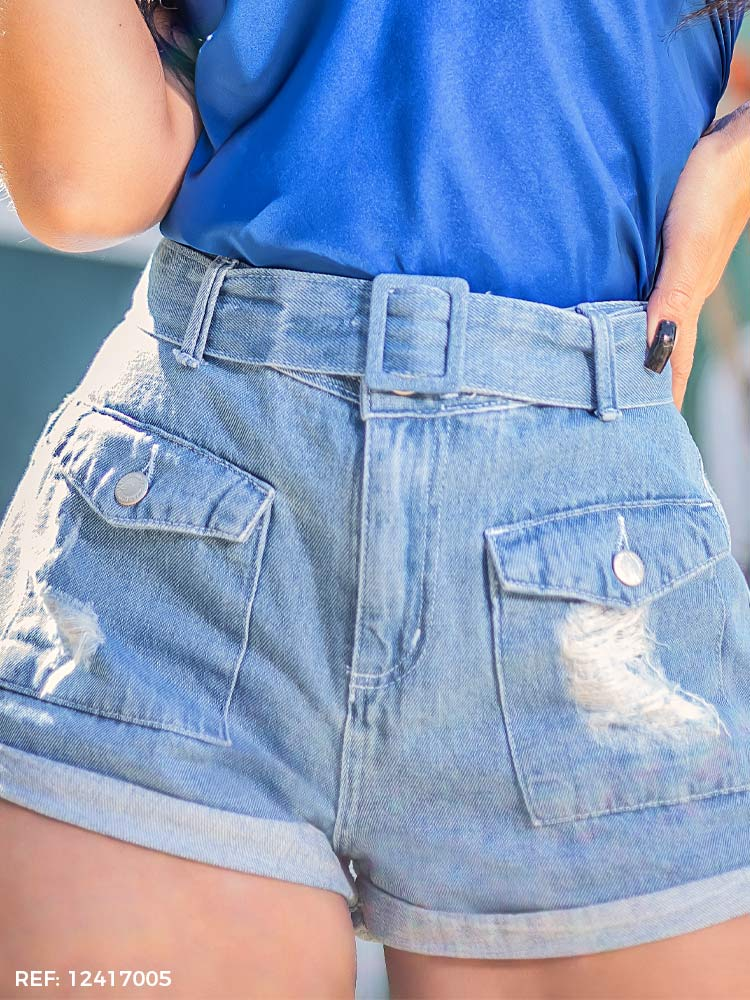 Shorts feminino utilitário cinto
