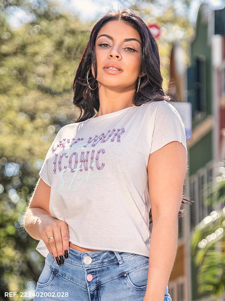 T-shirt feminina gola o