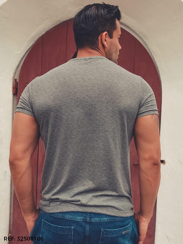 T-shirt masculina slim gola O