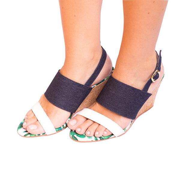 Sandália Jeans Com Folhagem Salto Cortiça
