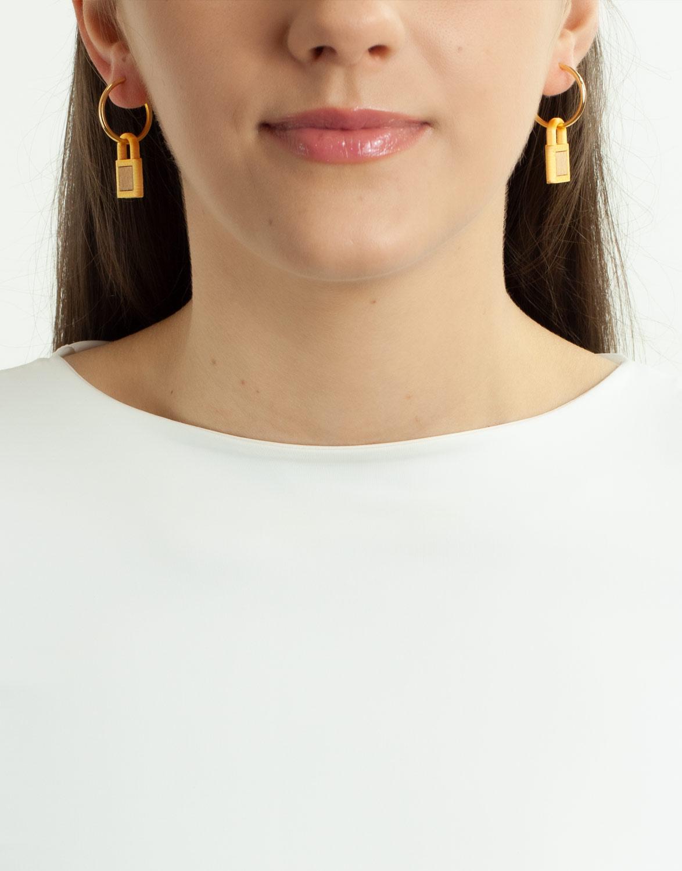 Brinco Argola Ouro Cadeado 3D e Madeira