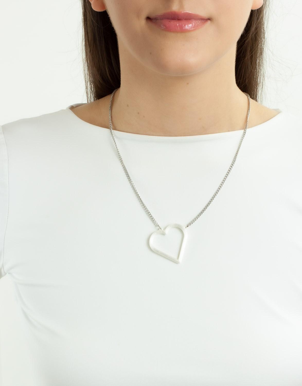 Colar Coração Vazado 3D Pérola