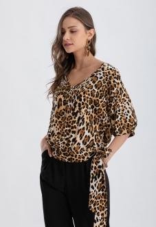 Blusa com  estampa marrom e manga curta  Ref. 02668