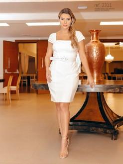 Vestido branco tubinho curto de crepe com cinto personalizado - Ref. 2311