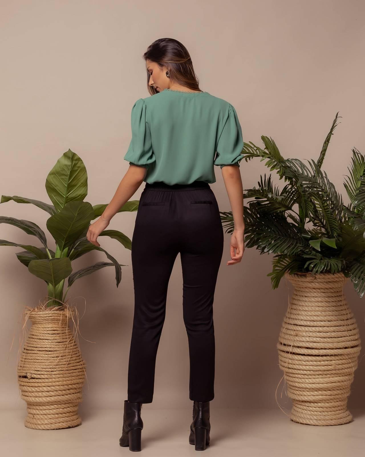 blusa combinando com shorts e caça