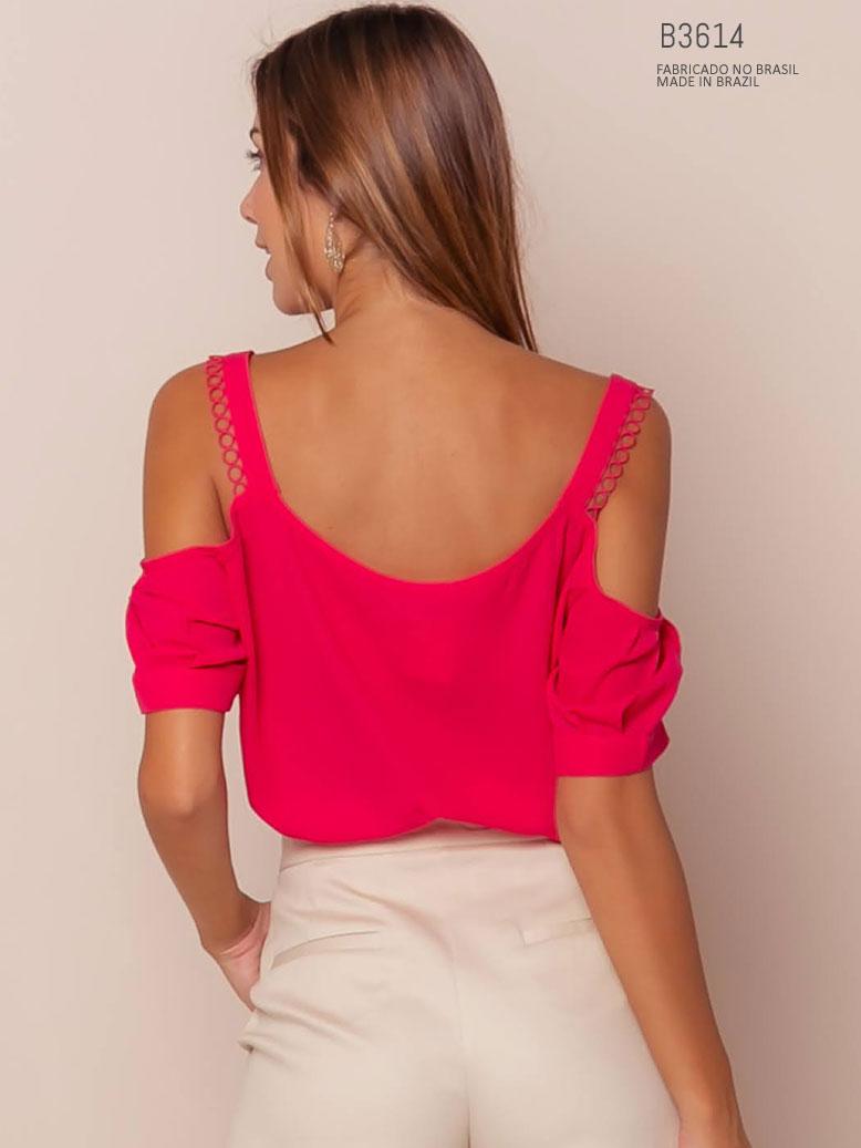 blusa com ombro vazado