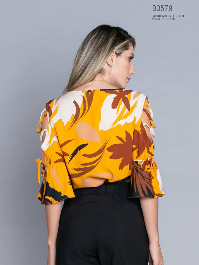 parte de trás da blusa