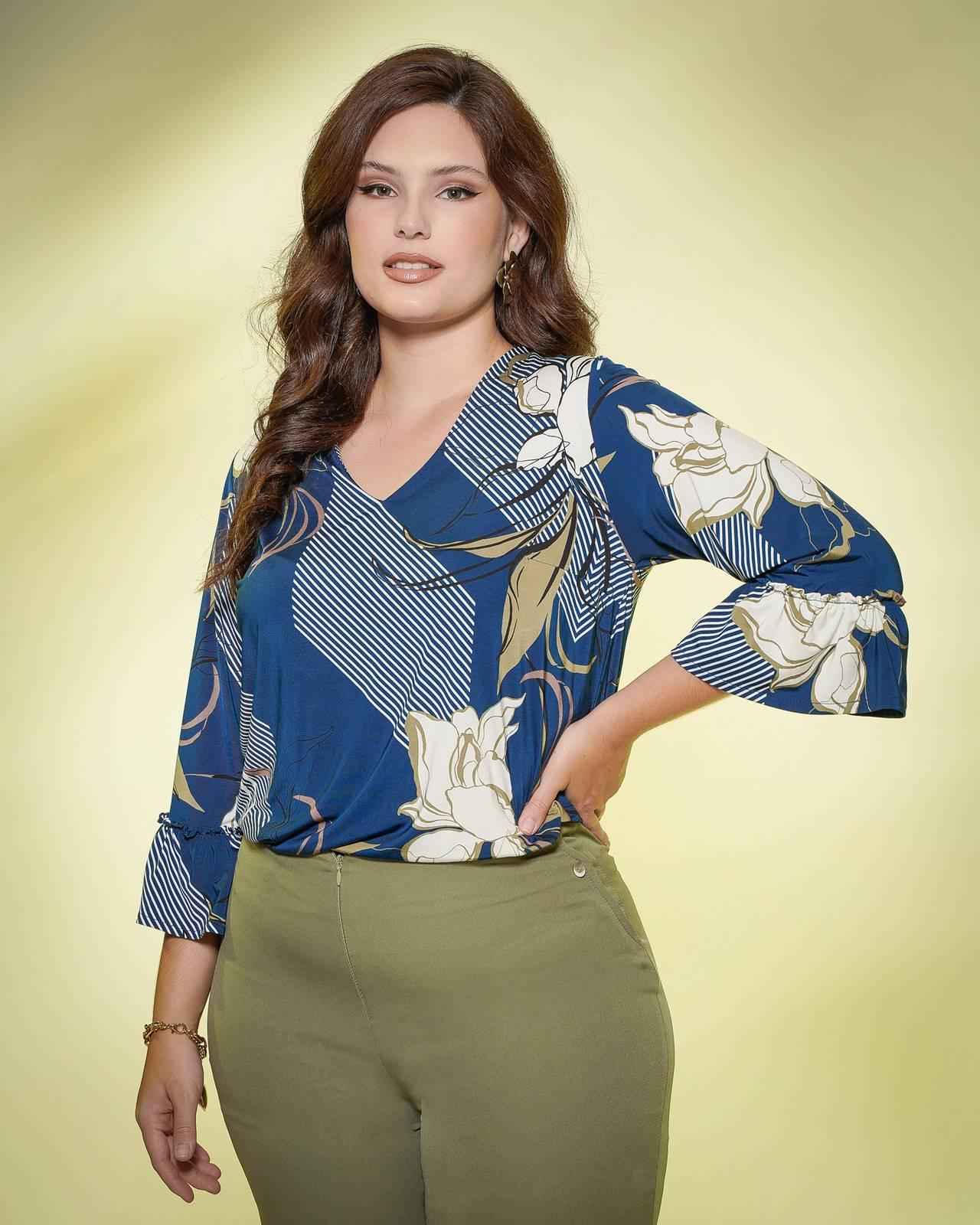 Blusa plus size  azul estampada com manguinha  Ref.  U61321