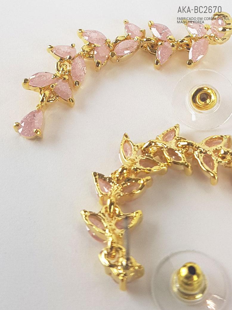 brinco com cristais rosa