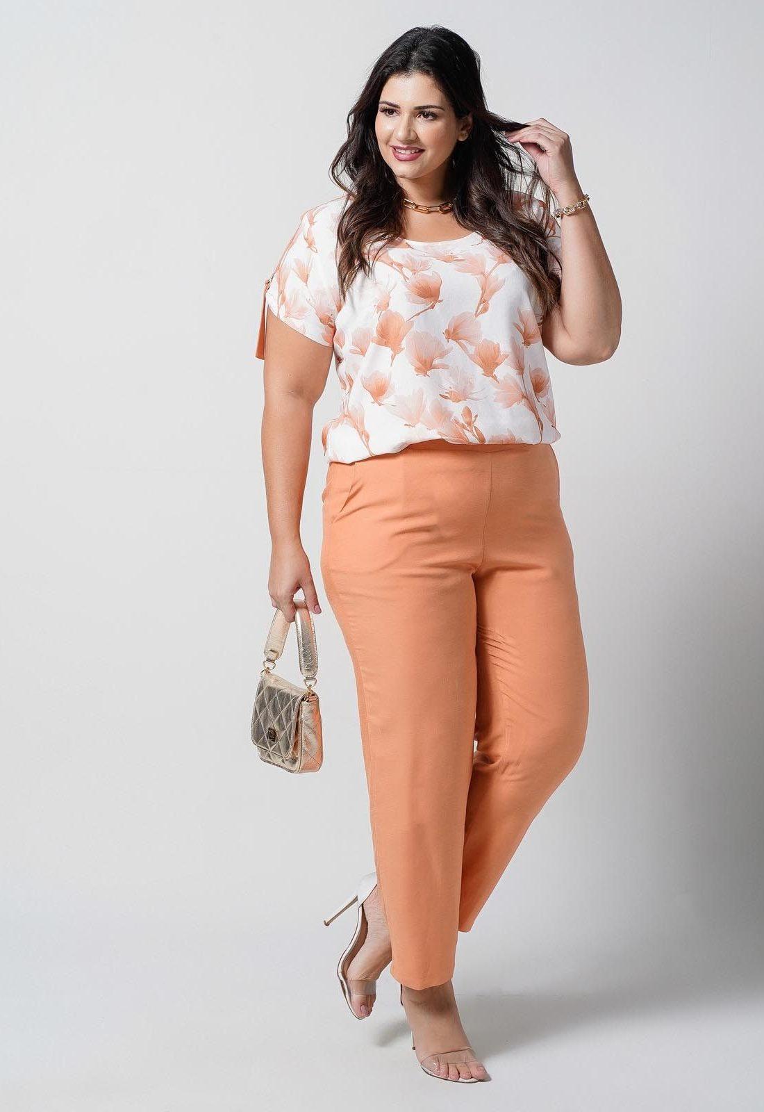 Conjunto  plus size  blusa estampada e calça coral com bolso  Ref. U68621