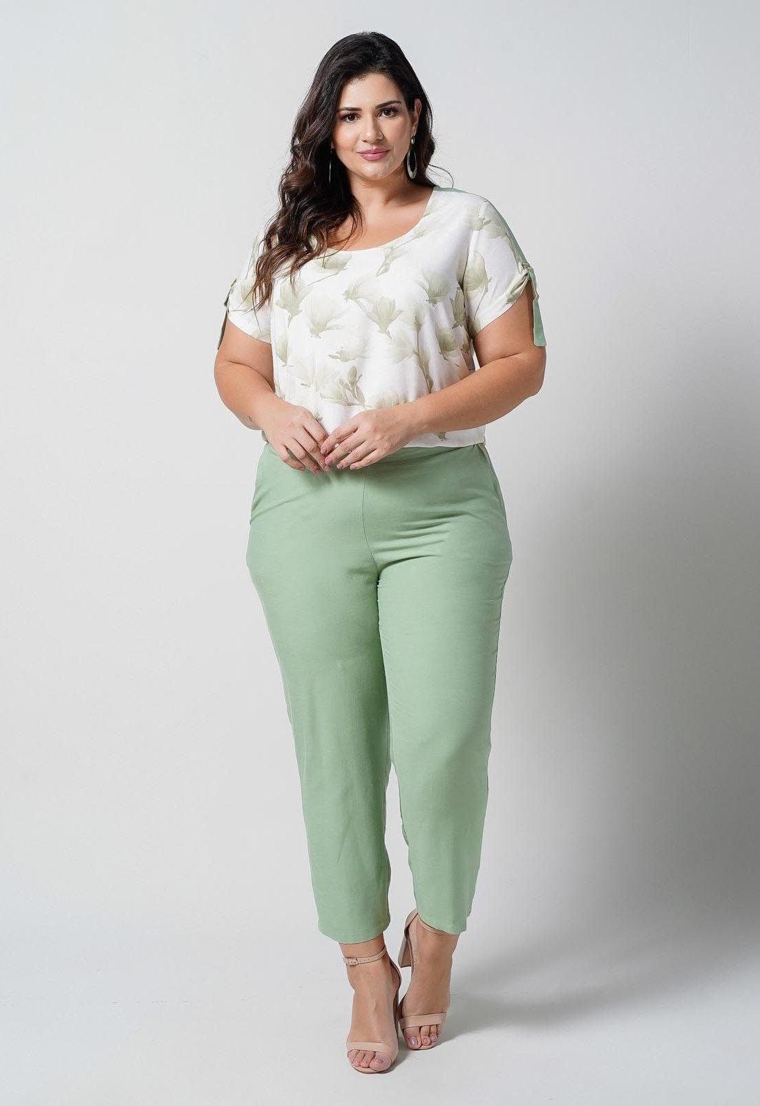 Conjunto  plus size  blusa estampada e calça verde com bolso  Ref. U68621