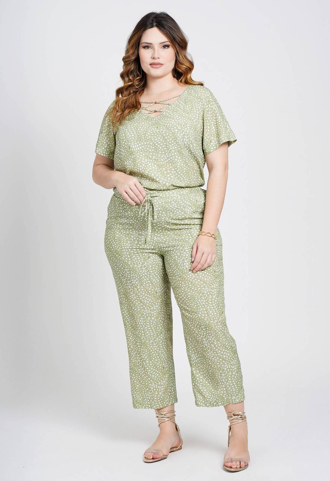 Conjunto plus size pantacourt blusa e calça verde Ref. U82221