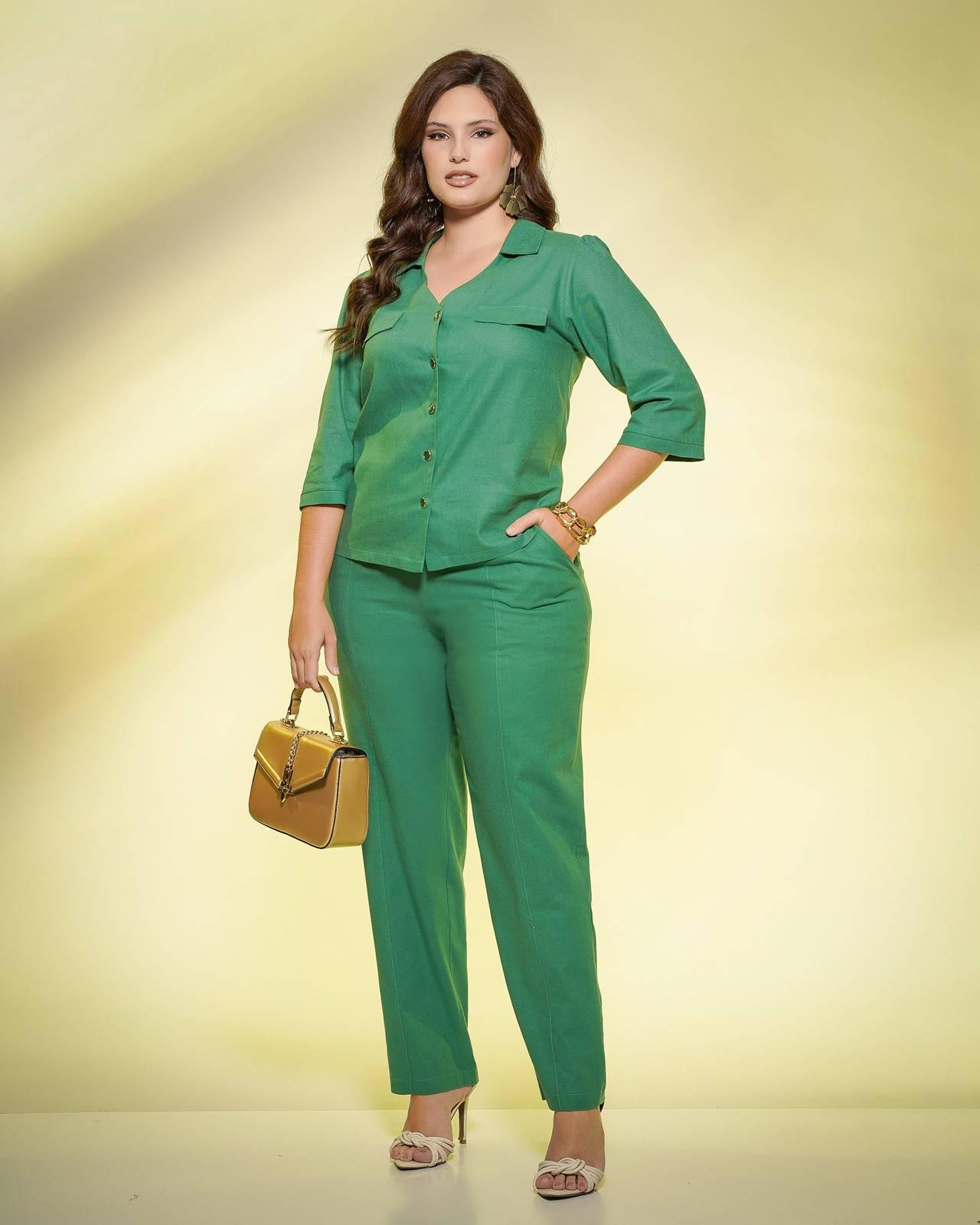 Conjunto verde calça e blusa 3/4  plus size  Ref. U61821