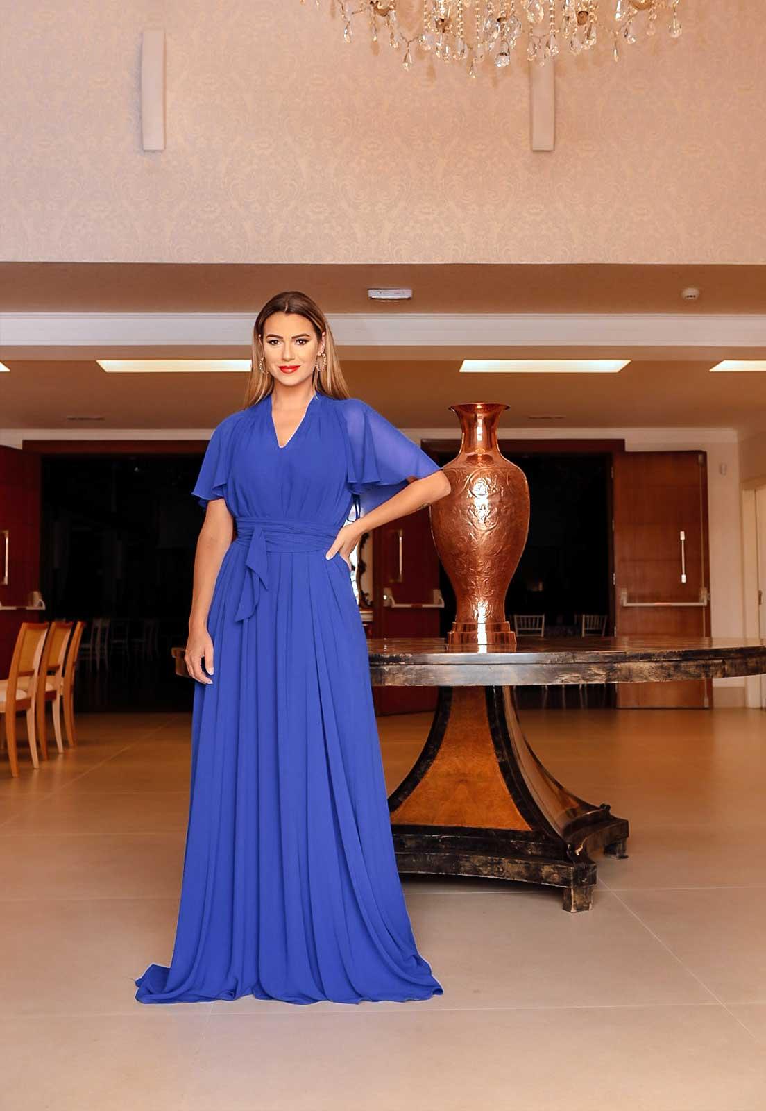 Vestido longo para madrinha na cor azul bic