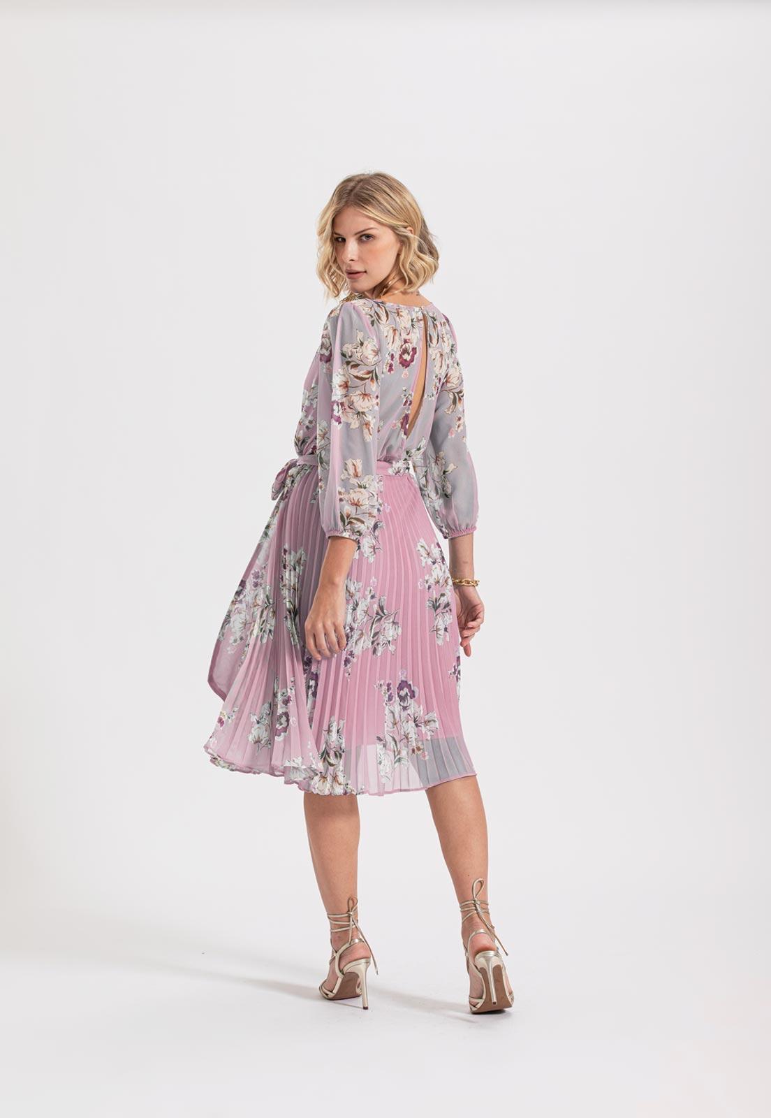 vestido floral azul rosa plissado
