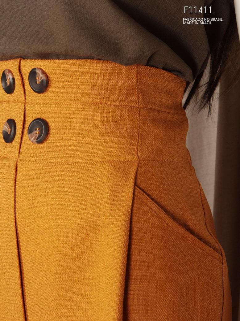 calça com bolso lateral