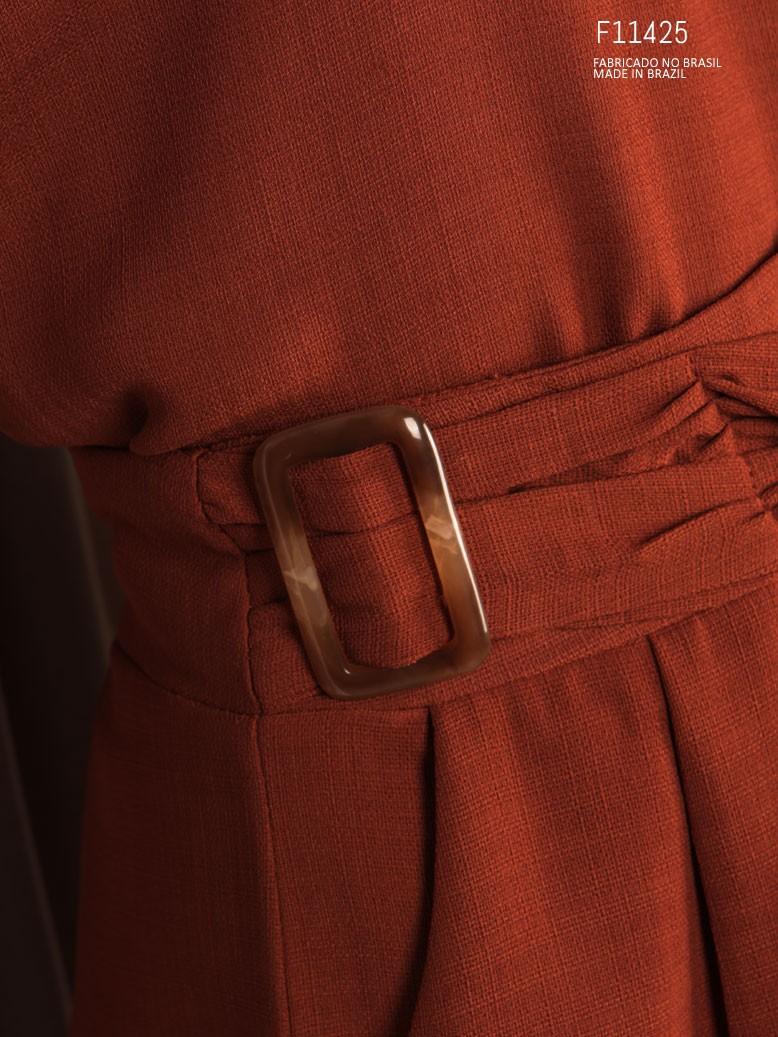 shorts curto marrom