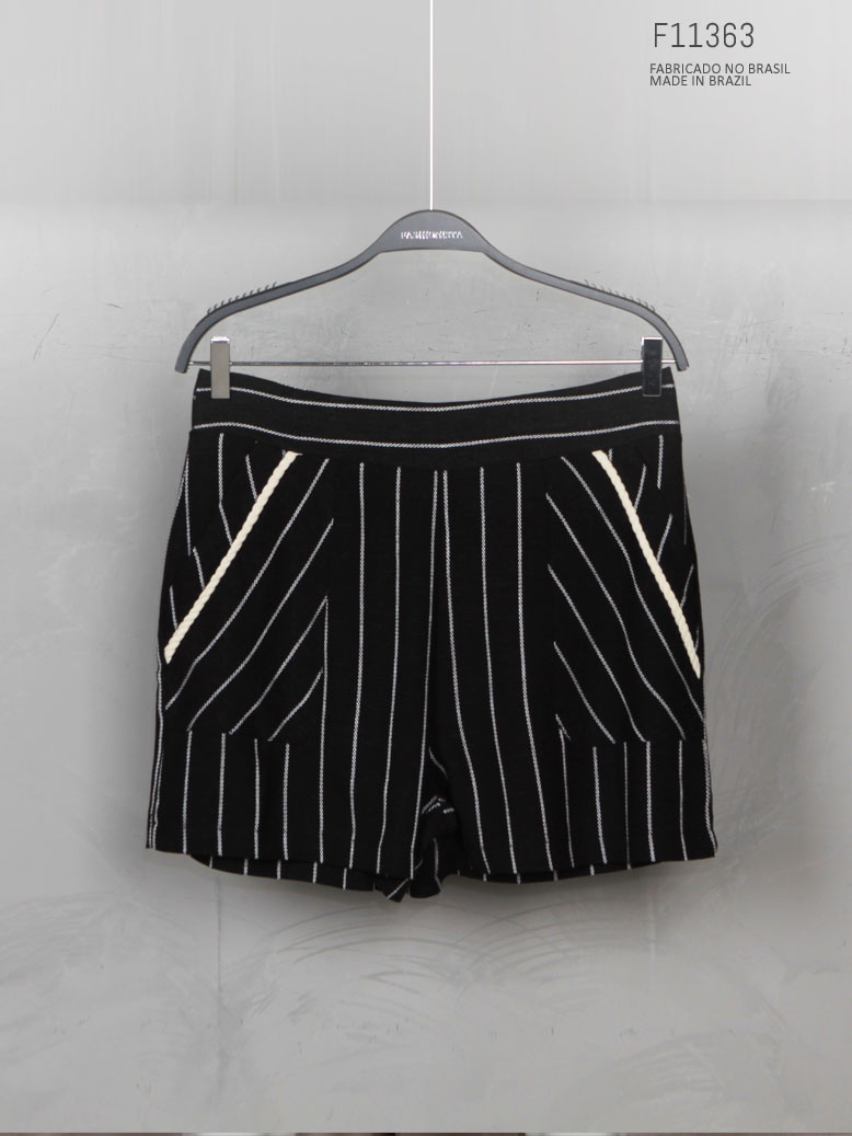 shorts listrado preto com bolso