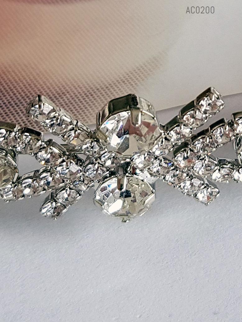 Detalhe em tiara