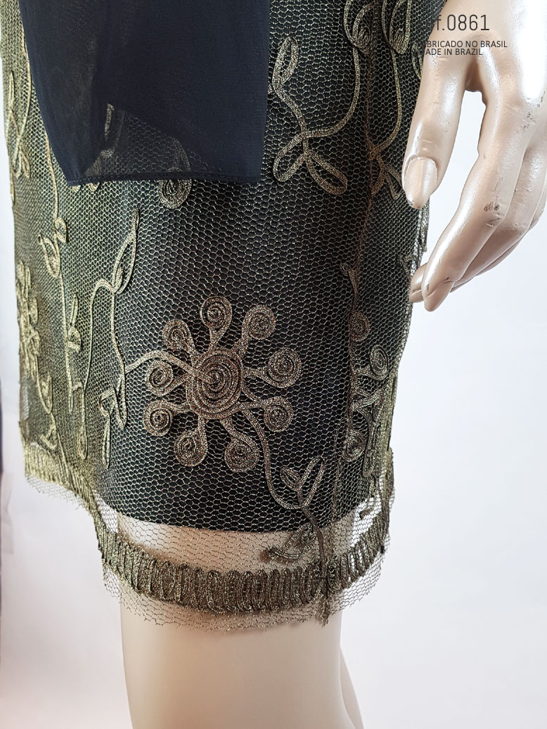 vestido com tule bordado