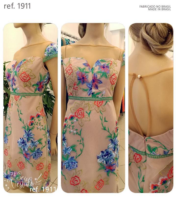 vestido longo de tule bordado
