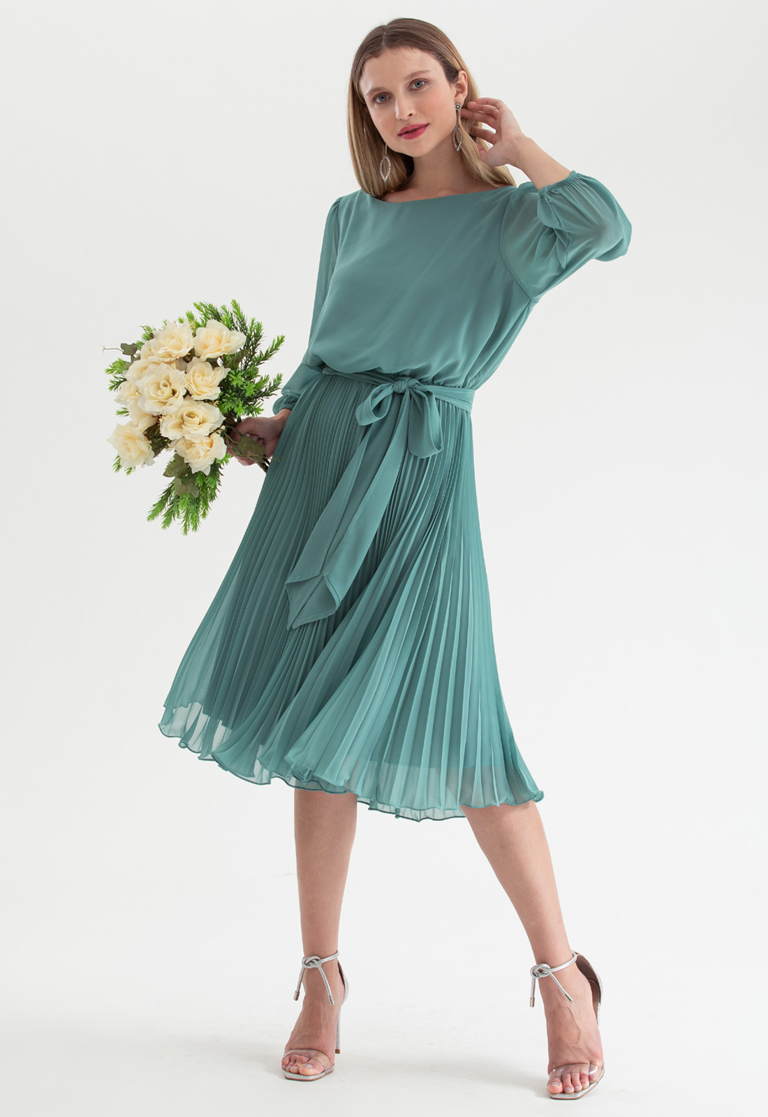 Vestido de festa verde salvia midi plissado Ref. 2583