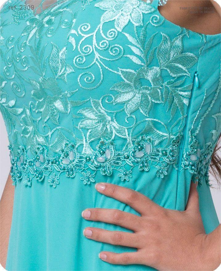 Vestido longo de crepe rodado com Busto e mangas de  tule bordado - Ref. 2309