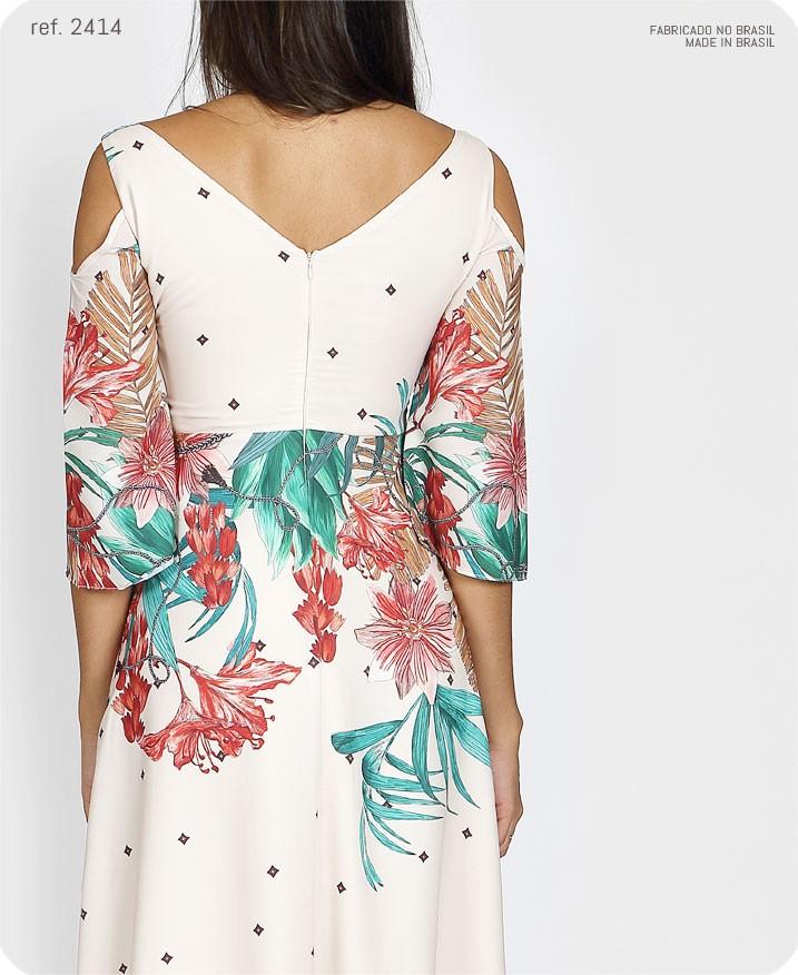 vestido floral detalhe nas costas