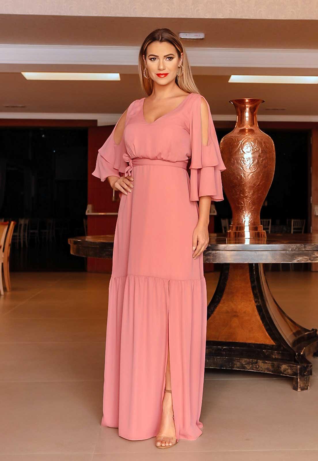 vestido com fenda rosa