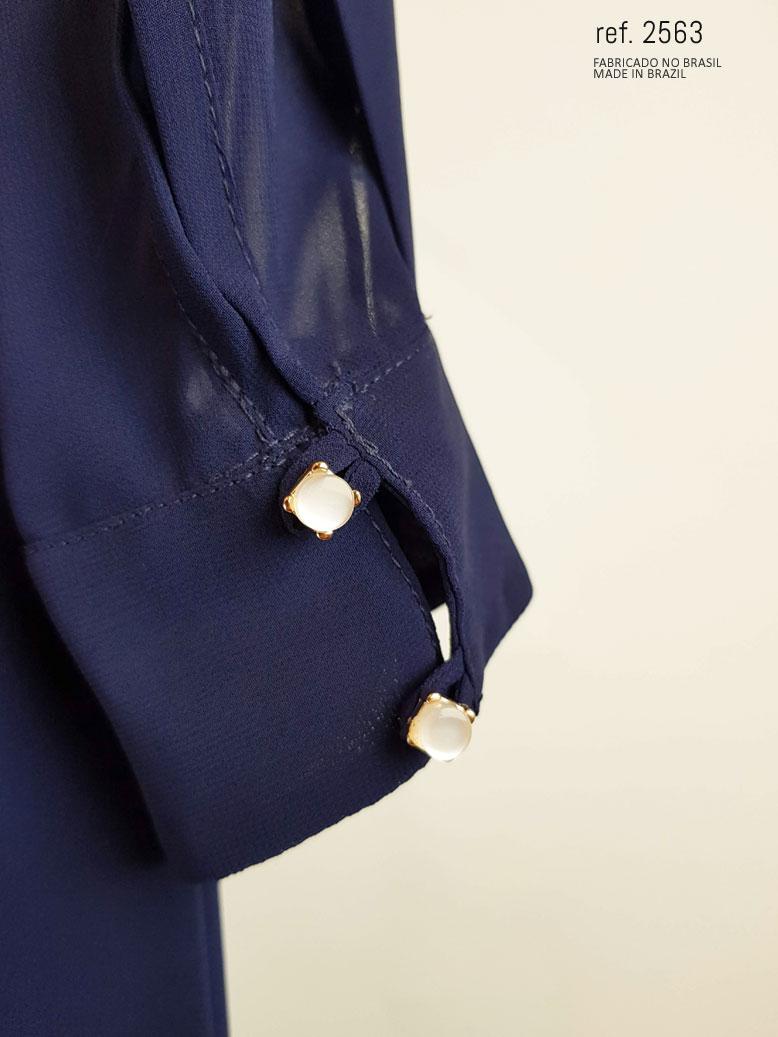 botões do punho do vestido azul marinho